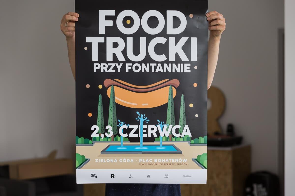 Food Trucki przy fontannie